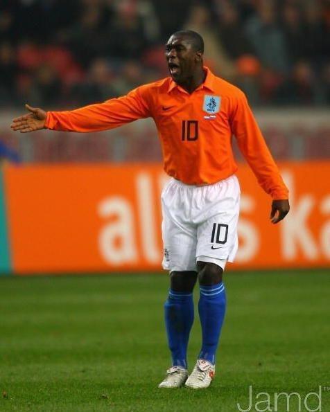 Seedorf disputou apenas uma Copa pela seleção holandesa (Foto: Reprodução)