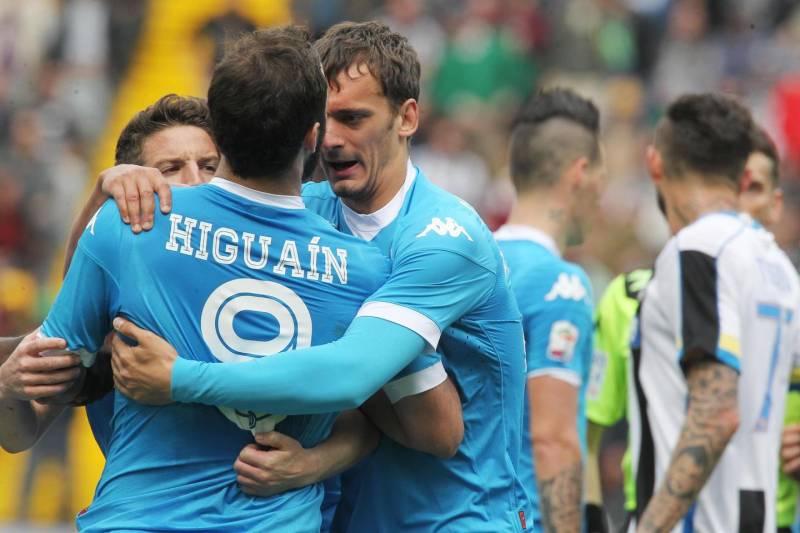 Higuain foi expulso contra a Udinese e levou quatro jogos de gancho (Foto: Reprodução/Quotidiano)