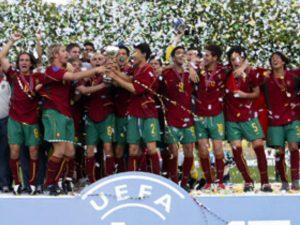 Portugal foi o grande campeão em 2003 (Foto: Reprodução/maisfutebol.iot.com)