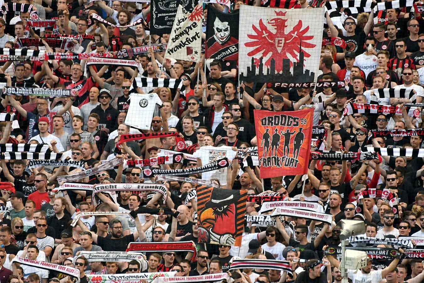 Torcida do Eintracht Frankfurt (Foto: Reprodução)