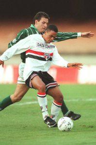 São Paulo foi o primeiro grande clube onde Dodô se destacou (Foto: Reprodução)