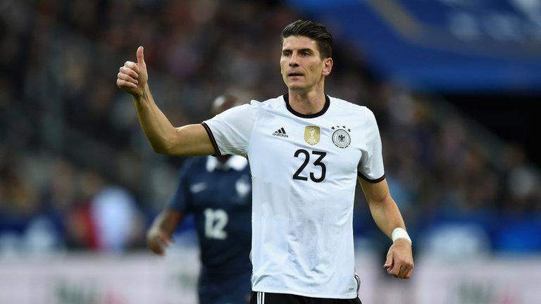 O centroavante está perto de defender as cores da Alemanha em uma  competição importante novamente ( 4baeb5ae09d27
