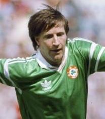Whelan talvez tenha sido um dos grandes jogadores da história da Irlanda (Foto: Reprodução/greenscene.me)
