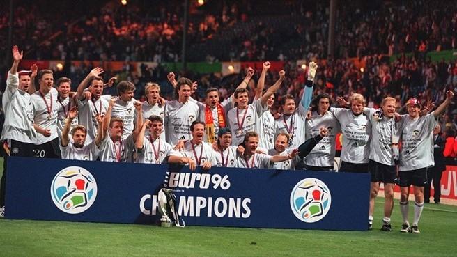 Os campeões da Eurocopa 1996 (Foto: Reprodução)