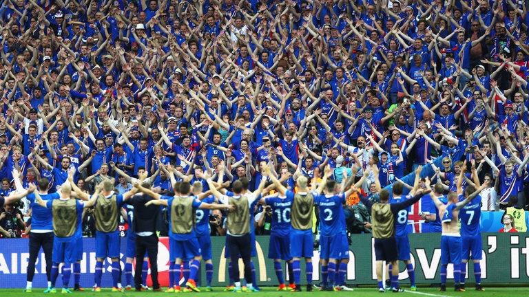 A comemoração islandesa virou hit na França (Foto: Reprodução)