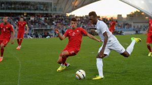 Inglaterra levou mais um título de Toulon (Foto: Reprodução/record.pt)