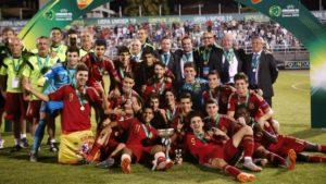 A Espanha foi campeã em 2015 (Foto: cenasemaiscenasecenas.wordpress.com)