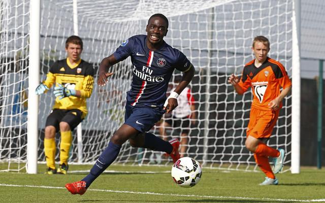 Ikoné busca espaço no milionário elenco do PSG (Foto: Reprodução)