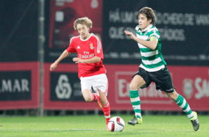 Daniel Bragança tem classe demais (Foto: futeboldistritaiasantarem.pt)