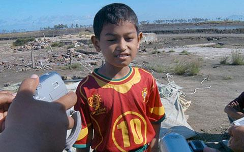 Martunis foi encontrado com uma camisa de Portugal em meio à tragédia (Foto: Reprodução)