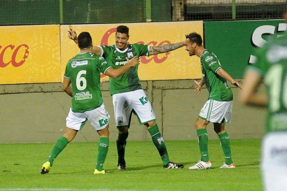 Ferro Carril tenta voltar para a primeira divisão da Argentina (Foto: Divulgação/FerroCarrilOeste)