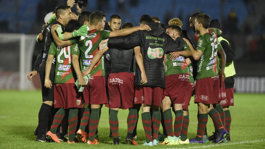 Time da pequena cidade de Trindad é a surpresa da atual edição do Campeonato uruguaio (Foto: Divulgação;AUF)