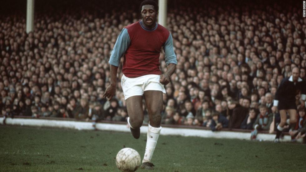 Best abriu as portas para os negros no futebol da Inglaterra (Foto: Reprodução)