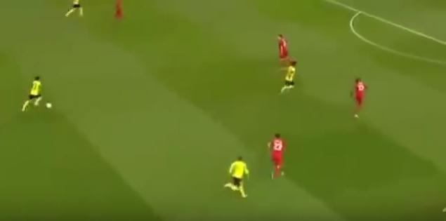 Dortmund x Liverpool, pela Liga Europa desse ano: cadê o meio de campo? (Foto: Reprodução)