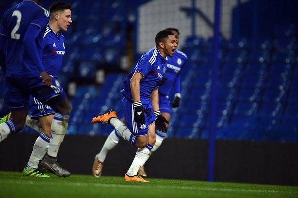 O baixinho Jay da Silva é um dos destaques azuis (Foto: Chelsea FC/Divulgação)