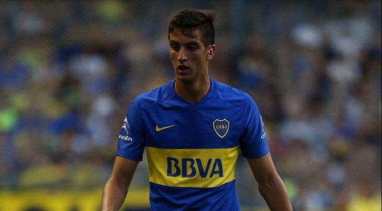 Meio-campista do Boca Juniors dá o toque de classe na seleção uruguaia (Foto: Divulgação/Boca Juniors)
