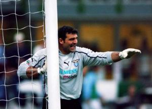 Em 2006/07, Peruzzi sofreu menos de um gol por jogo na Lazio (Foto: Reprodução/Lazio)
