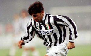 Del Piero atuando pela Juventus (Foto: Reprodução/goal.com)