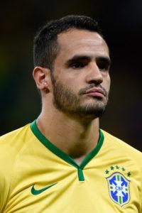 Renato Augusto chegou a seleção graças ao desempenho pelos dois clubes (Foto: Reprodução)