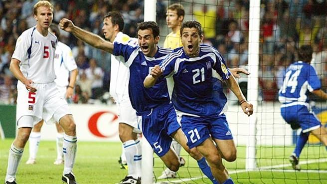 Em 2004, a Grécia se aproveitou do polêmico Gol de Prata (Foto: Divulgação: UEFA)