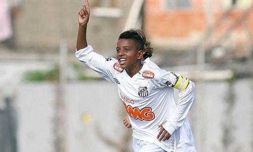 Atacante santista já rende comparações com o ídolo Neymar (Foto: Reprodução)