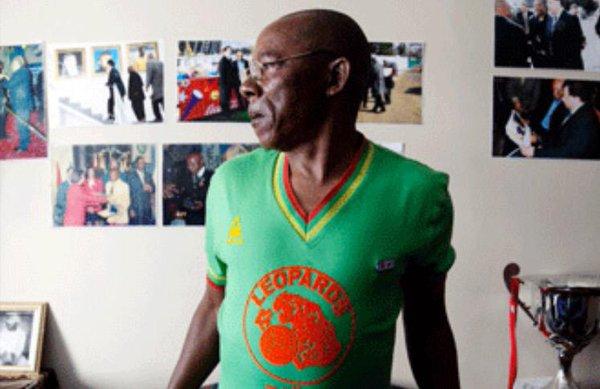 O antigo ídolo do Zaire vive na África do Sul (Foto: Reprodução)