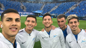 Os cinco argentinos reunidos (Foto: Reprodução/Facebook)