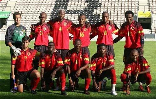Base da seleção angolana na Copa de 2006 disputou o lendário amistoso no Alvalade (Foto: Reprodução)