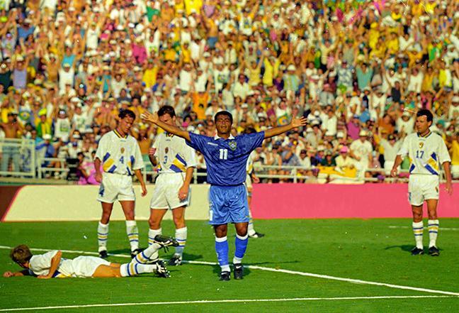 Romário decidiu os confrontos contra a Suécia em 1994 (Foto: Reprodução)